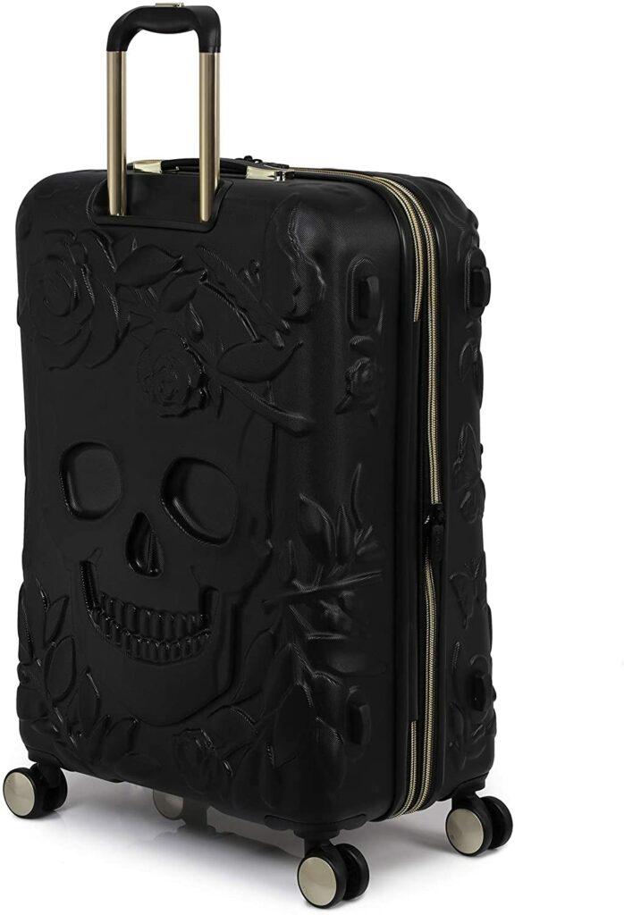 IT Luggage Skulls II Review: Black