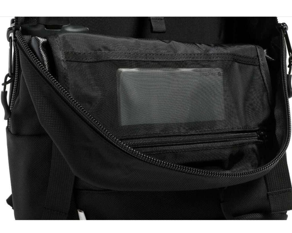 DPTCH Daypack Review: The DSPTCH Daypack inside pocket