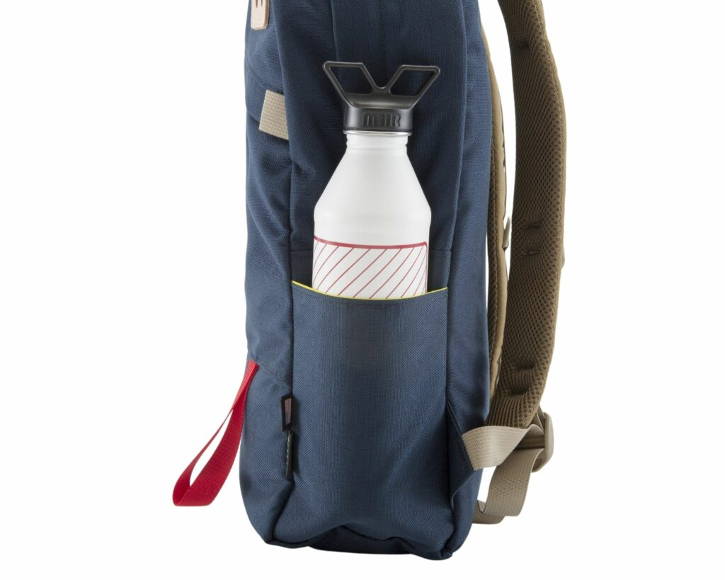 Topo Designs Daypack Review: Topo Designs Daypack side water bottle pocket