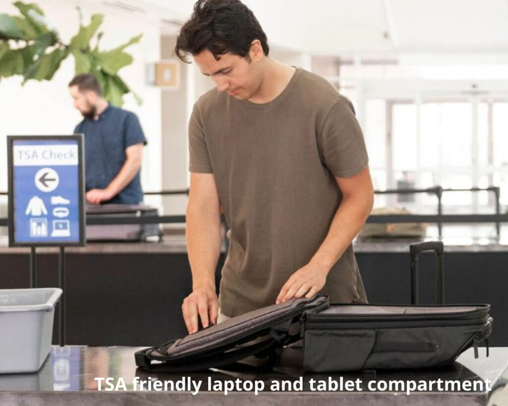 Nomatic Travel Pack review: the Nomatic Travel Pack laptop and tablet compartment