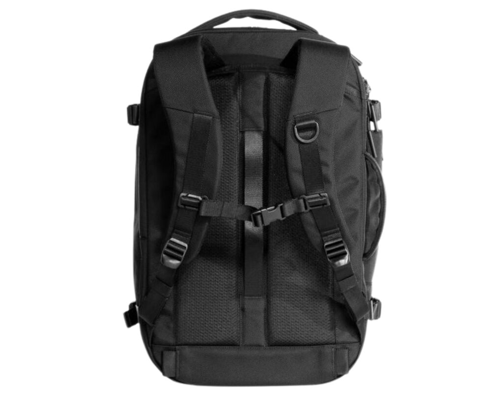 AER Travel Pack 2 review: the back view and harness system of the AER Travel Pack 2